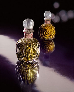 Voilette de Madame Guerlain for women