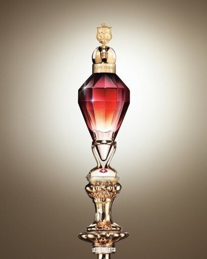 killer queen katy perry perfume a new fragrance for. Black Bedroom Furniture Sets. Home Design Ideas