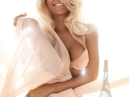 Nude Rihanna for women Pictures