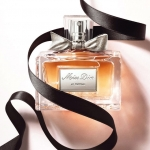 Miss Dior – Decoding a Bottle of Love