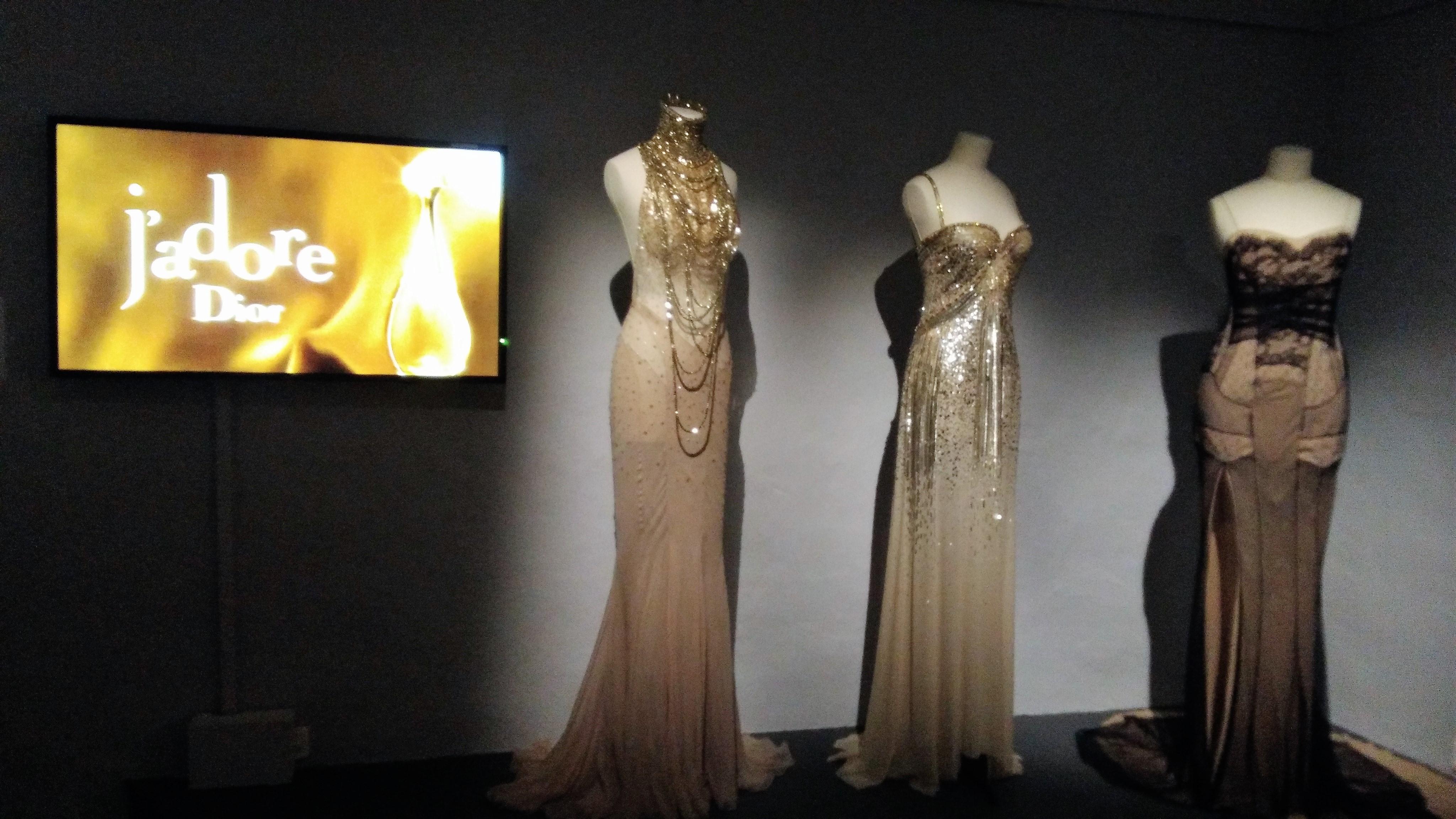 Visiting the Exhibition Christian Dior Esprit de Parfums ~ Art Books ...