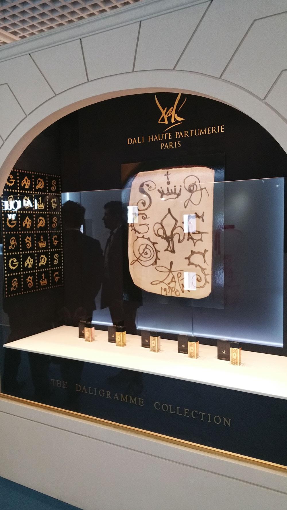 daligramme collection by salvador dali secret messages to gala new fragrances. Black Bedroom Furniture Sets. Home Design Ideas