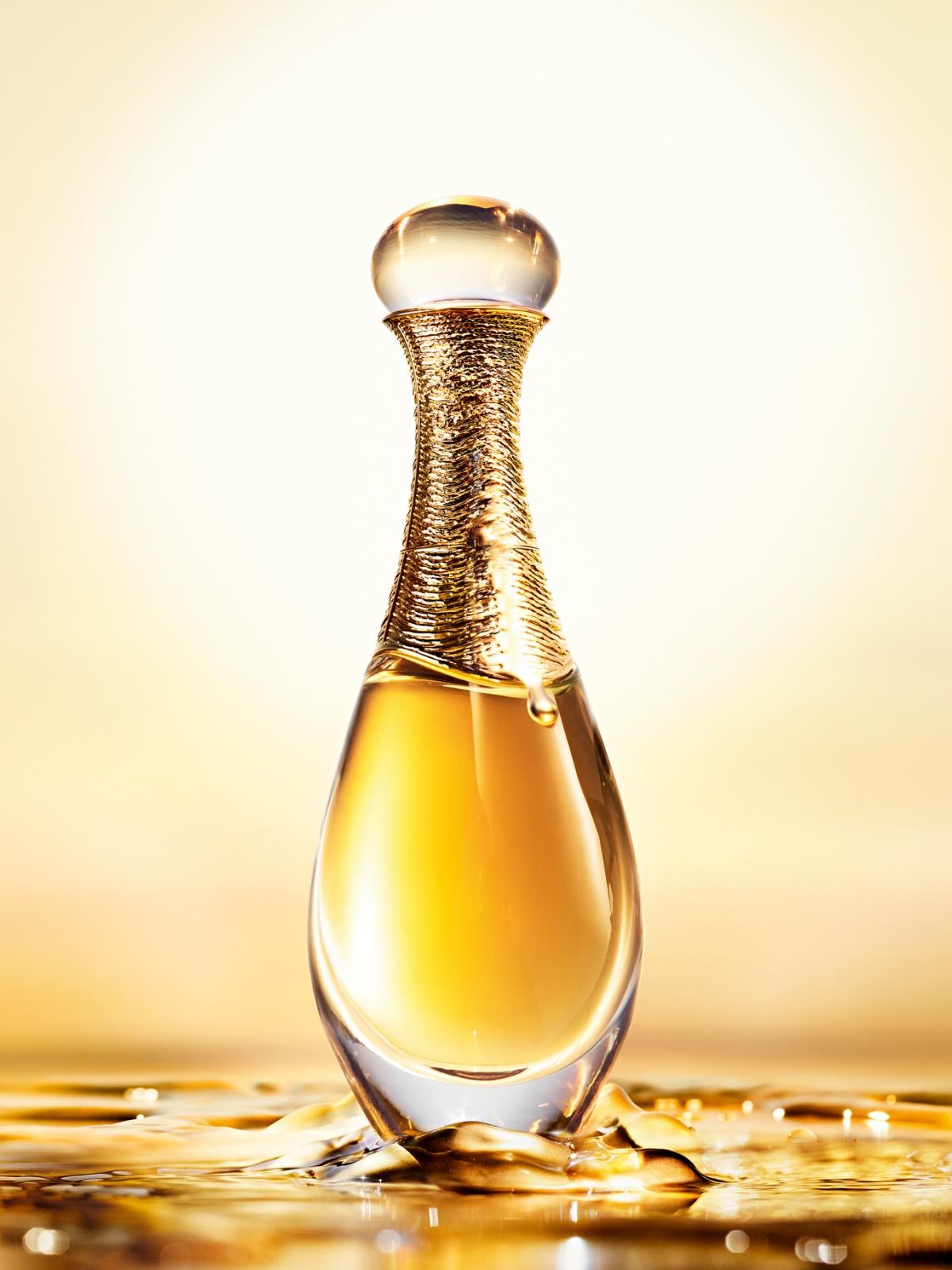 dior j 39 adore l 39 or essence de parfum 2017 new fragrances. Black Bedroom Furniture Sets. Home Design Ideas