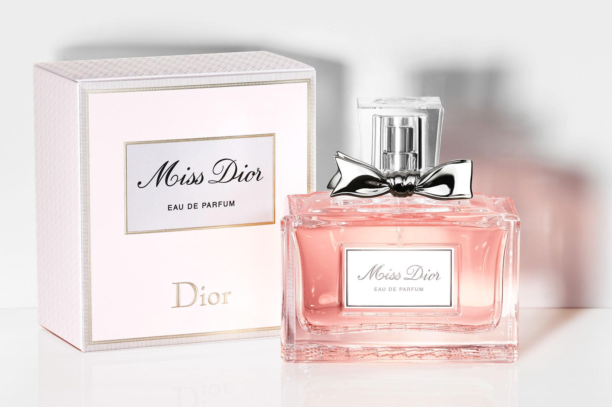 Вот новый Miss Dior Eau de Parfum 2017. Присмотритесь к нему  повнимательнее 3819676d2ac88