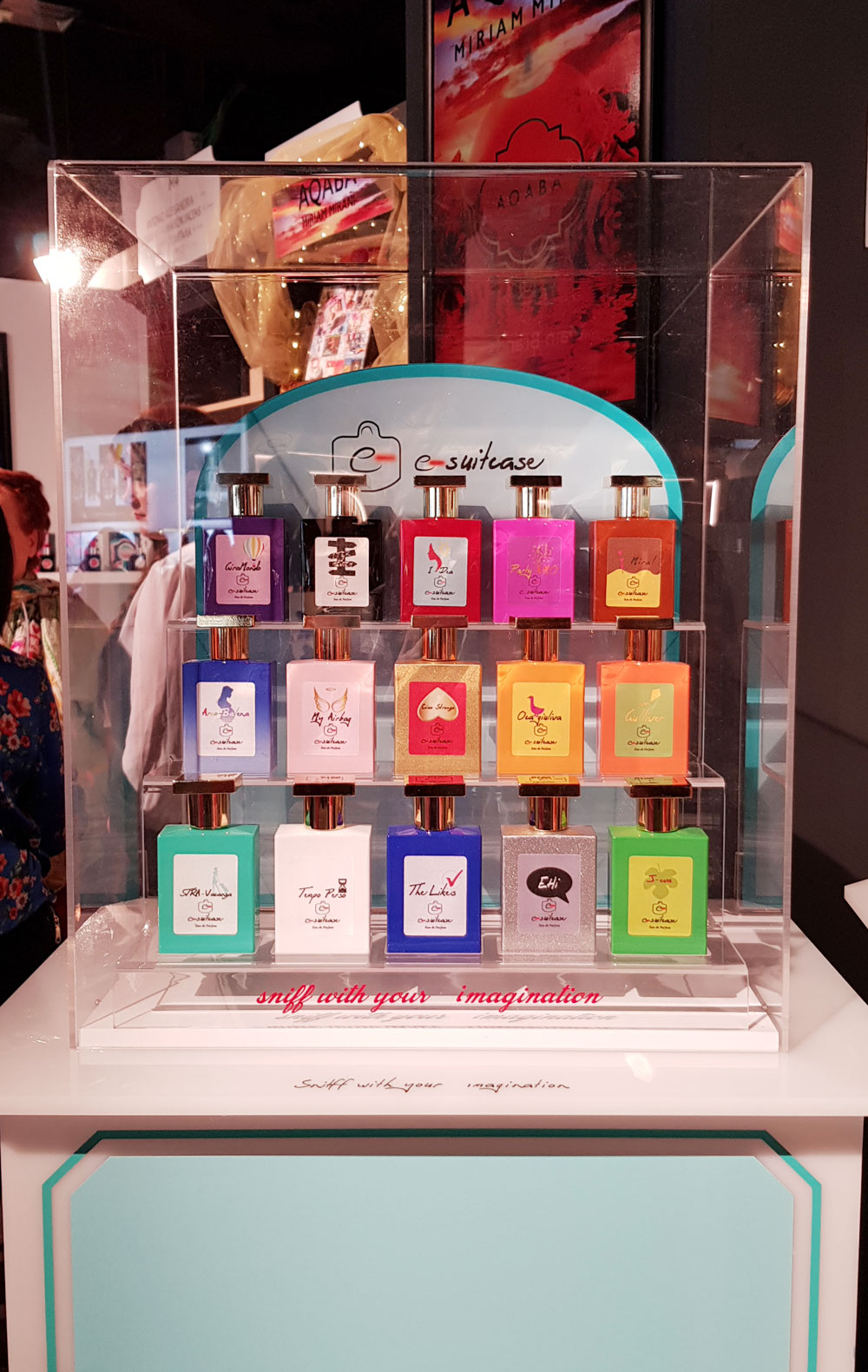 e-suitcase perfume collection