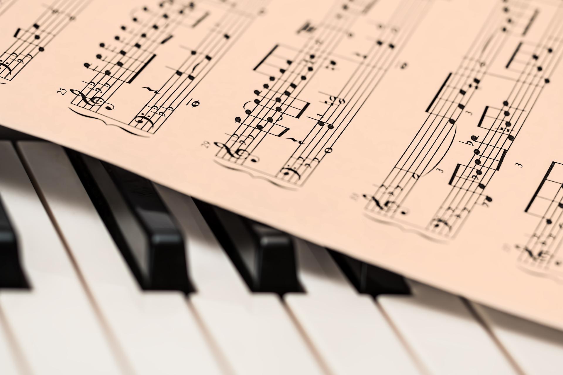 красивые картинки фортепиано ноты большинстве случаев подобные