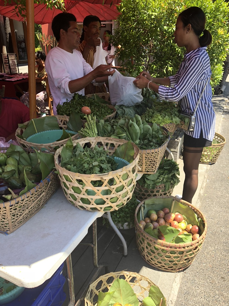 Balinese fruit and vegetable market