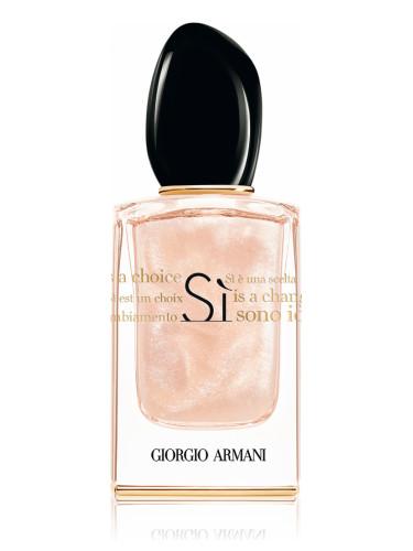 si sono io giorgio armani parfum un nouveau parfum pour femme 2017. Black Bedroom Furniture Sets. Home Design Ideas