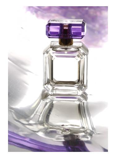 https://fimgs.net/images/perfume/375x500.8498.jpg