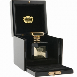 Elixir de Plaisir. Première dame Galerie des Sens эрэгтэй эмэгтэй