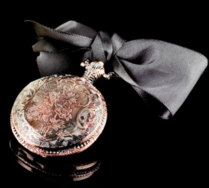 Timeless: Yuzu Flower pocket Watch DL & Co Compartilhável