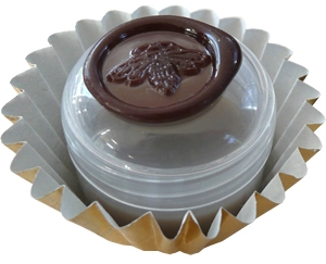 Chocolate: Figure 2: Cerise Roxana Illuminated Perfume for women and men