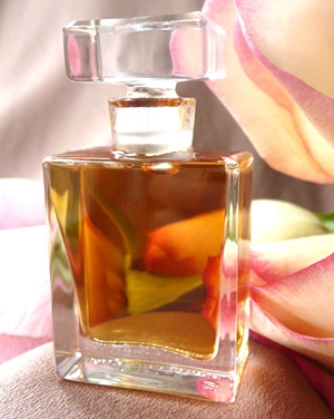 Rosa Roxana Illuminated Perfume for women and men