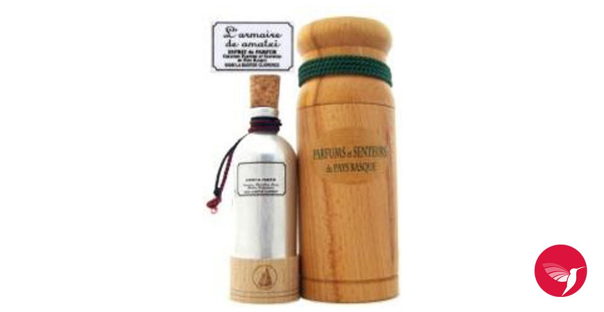 l armoire de amatxi parfums et senteurs du pays basque parfum un parfum pour femme 2008. Black Bedroom Furniture Sets. Home Design Ideas