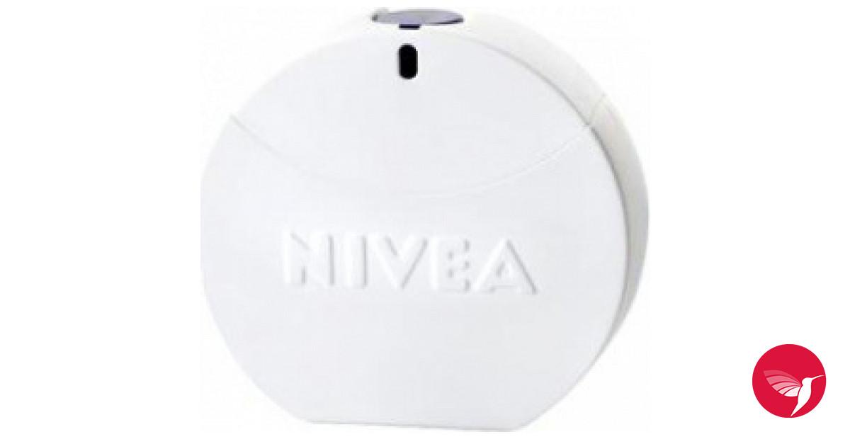 nivea eau de toilette nivea parfum ein neues parfum f r. Black Bedroom Furniture Sets. Home Design Ideas