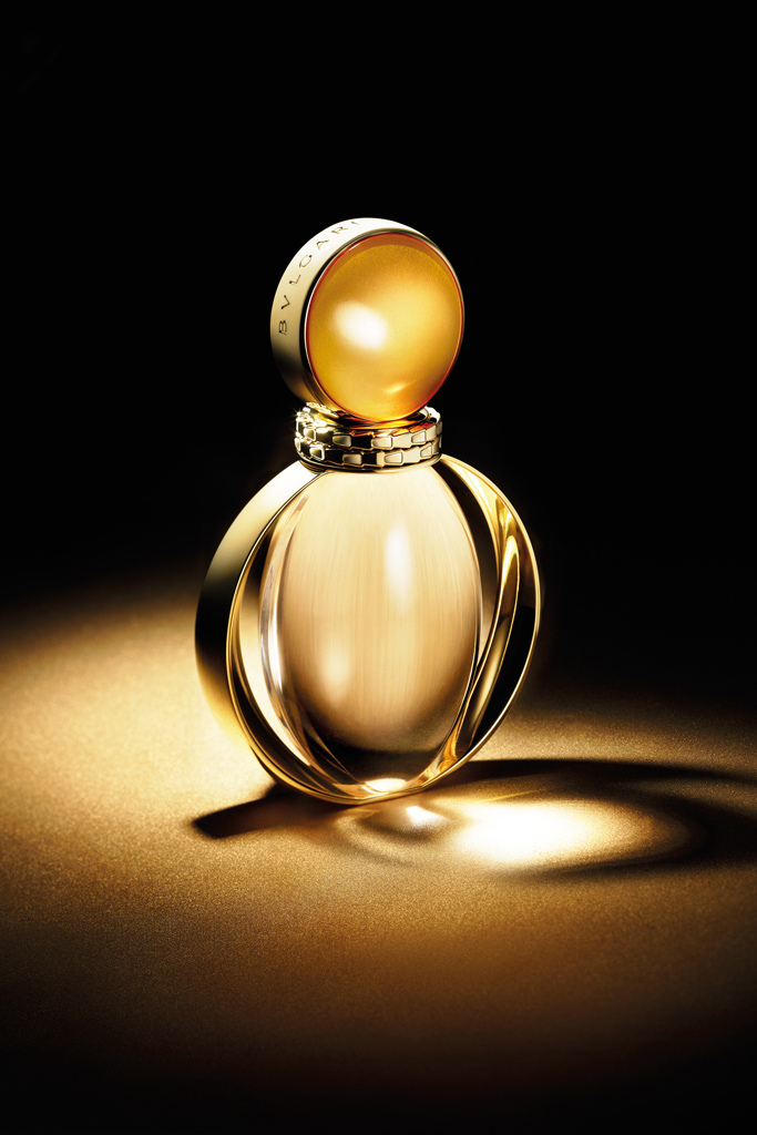Resultado de imagem para novo perfume da bvlgari goldea