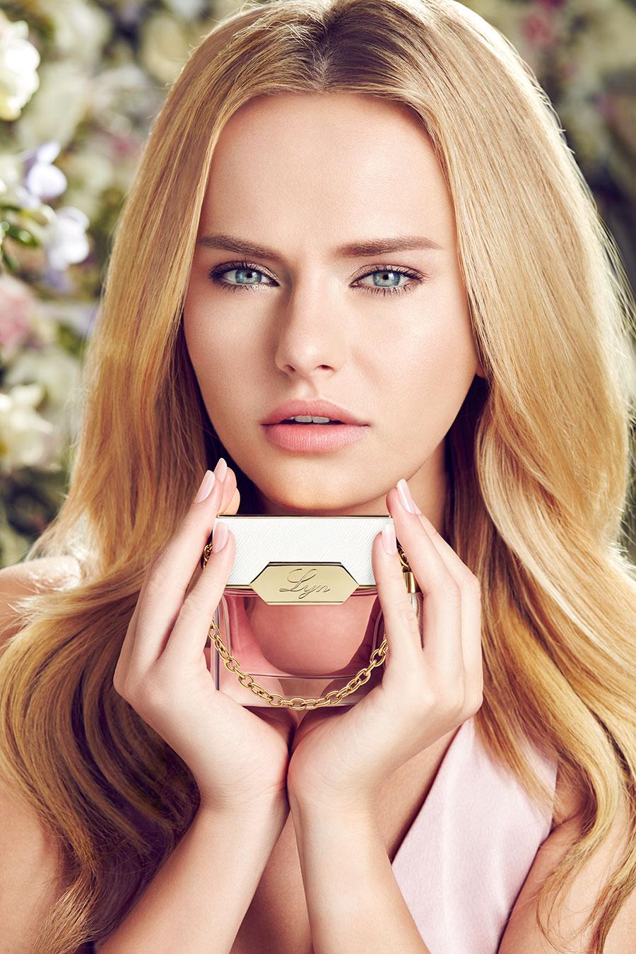 Lyn Lyn perfume