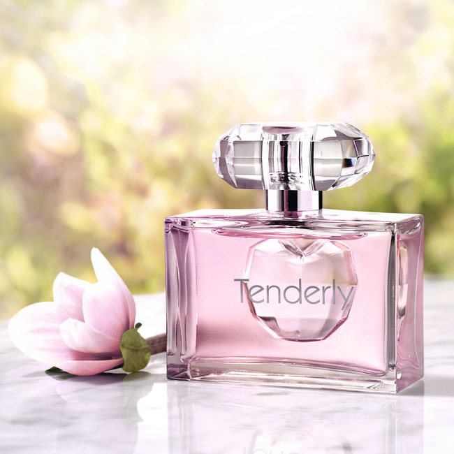 Tenderly oriflame perfume a fragrance for women 2014 tenderly oriflame for women pictures stopboris Gallery