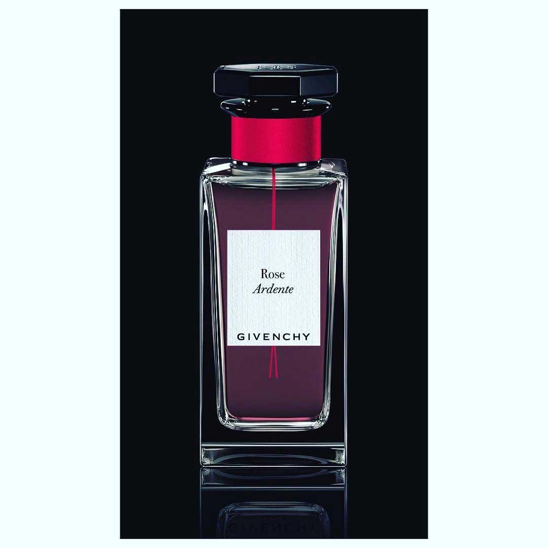 rose ardente givenchy parfum un nouveau parfum pour femme 2017. Black Bedroom Furniture Sets. Home Design Ideas