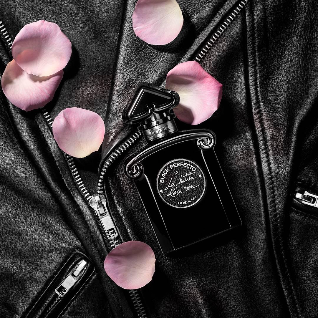 Resultado de imagem para Black Perfecto La Petite Robe Noire