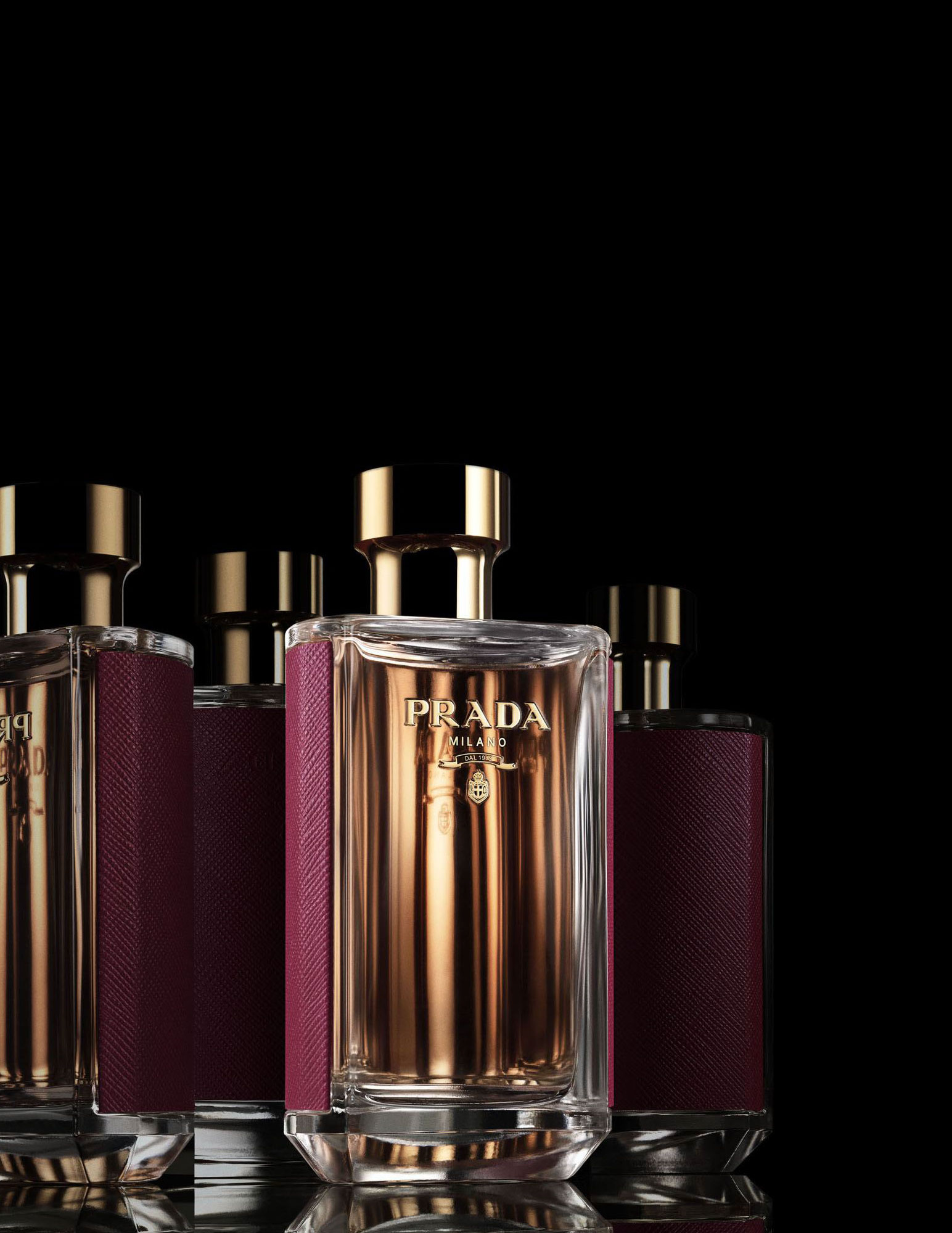 prada la femme intense prada parfum un nouveau parfum pour femme 2017. Black Bedroom Furniture Sets. Home Design Ideas