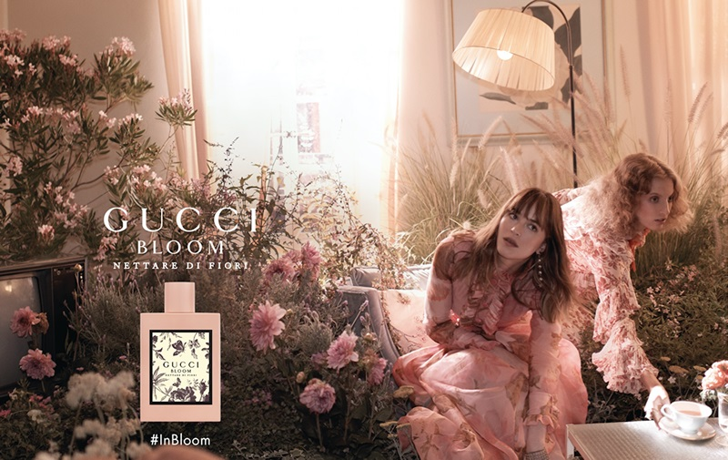 "Kết quả hình ảnh cho Gucci launches Gucci Bloom Nettare Di Fiori as a sensual and darker interpretation of the original, with additional notes of rose, ginger, osmanthus and patchouli. ""Intensely sensual and feminine, Gucci Bloom Nettare di Fiori celebrates the intimate and authentic character of a woman. Rose and Osmanthus flower resonate in an enigmatic, woodier blend together with the notes of the original Gucci Bloom."" Gucci Bloom Nettare Di Fiori is available as a 30, 50 and 100 ml Eau de Parfum. Gucci Bloom Nettare Di Fiori was launched in 2018. The nose behind this fragrance is Alberto Morillas."