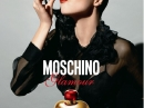 Glamour Moschino pour femme Images