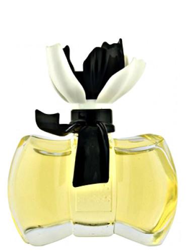 La Petite Fleur Blanche Paris Elysees Parfum Een Geur Voor Dames 2015