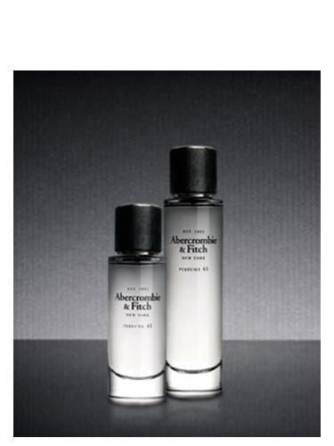 41 2007 Parfum Un Fitch Abercrombieamp; Femme Pour 8nwNvm0
