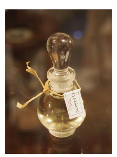 Blanc Parfums Naturels Parfum Sharini Femme Lys Un 2016 Pour osCBxthQrd