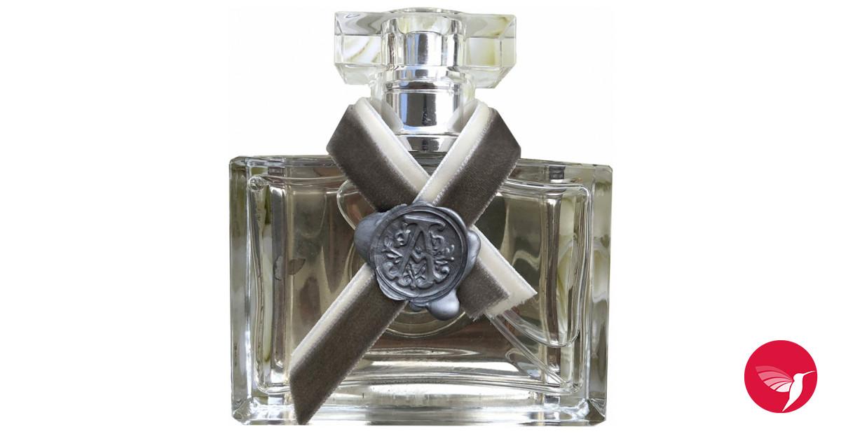 aurora charles wong cologne un nouveau parfum pour homme. Black Bedroom Furniture Sets. Home Design Ideas