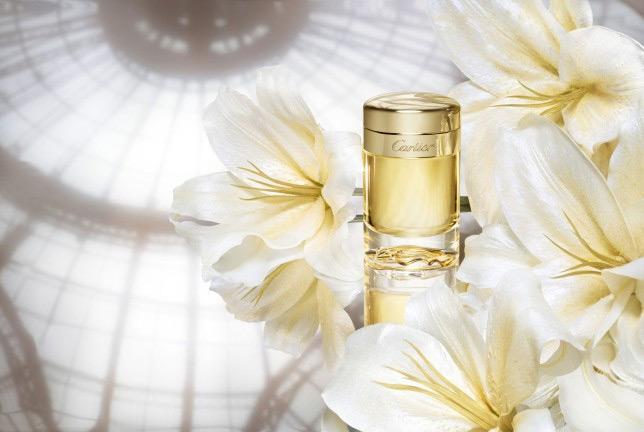 530a2ffeddb Baiser Vole Essence de Parfum Cartier perfume - a fragrância ...