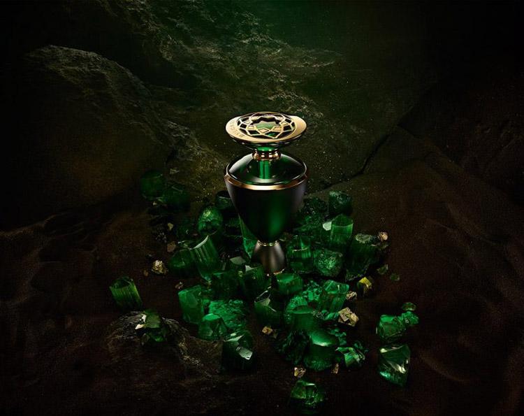 Veridia Bvlgari pour femme Images Veridia Bvlgari pour femme Images. Veridia  de Bvlgari est un parfum ... 33021d3c43d