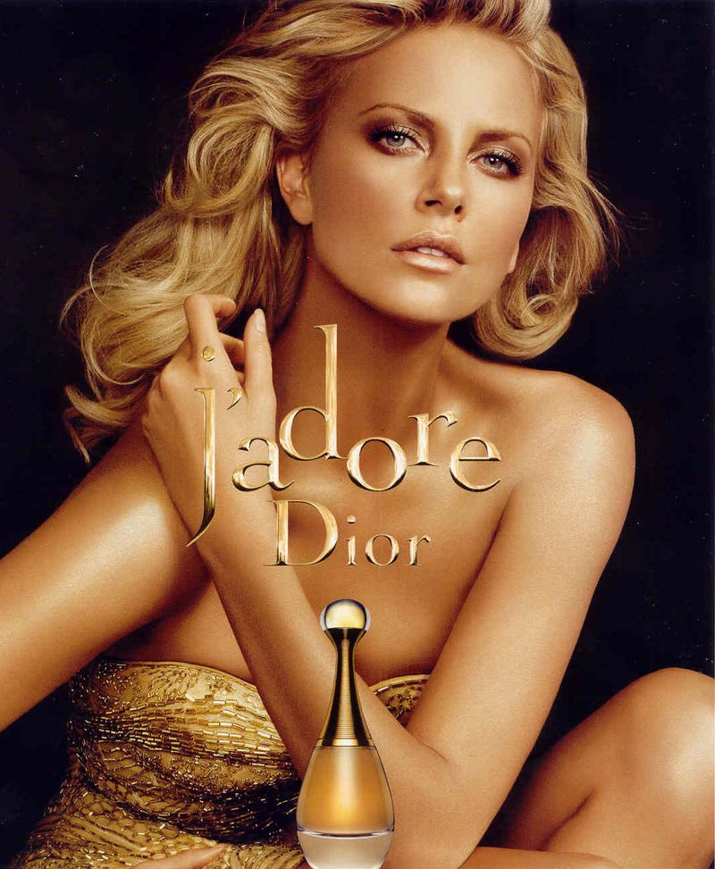 What Does J Adore Perfume Smell Like: J'adore Christian Dior Perfume