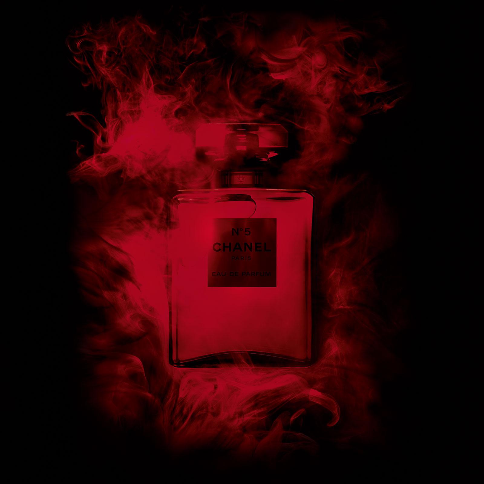 6249351645e ... Chanel No 5 Eau de Parfum Red Edition Chanel for women Pictures ...