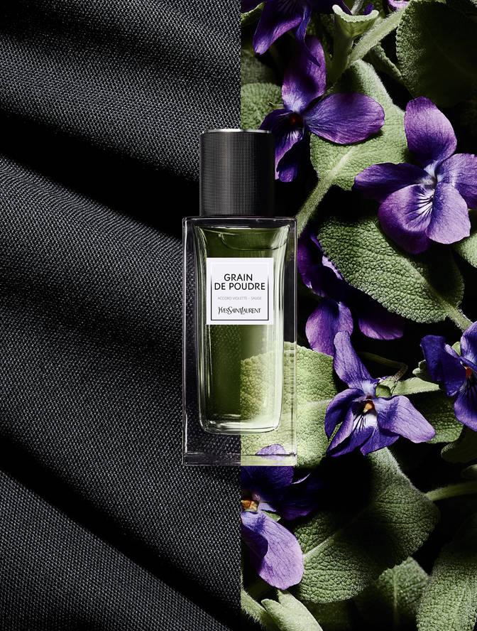 Saint Nouveau Parfum Un Grain Poudre Laurent Pour De Yves IYW29EDH
